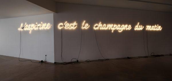 Jeanne Suspluglas, L'Aspirine c'est le champagne du matin, 2009. © DR