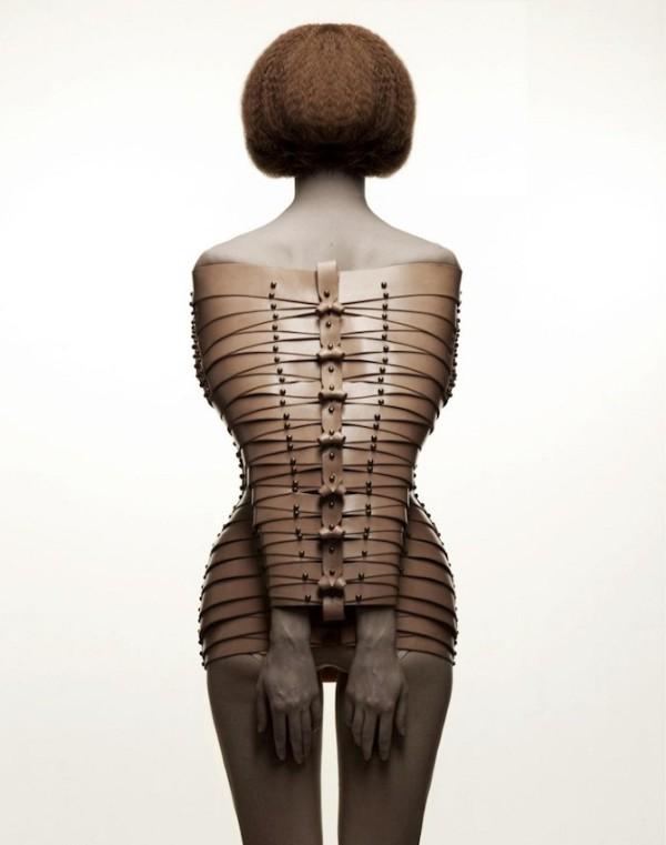 Le corset Re.Treat d'Una-Burke